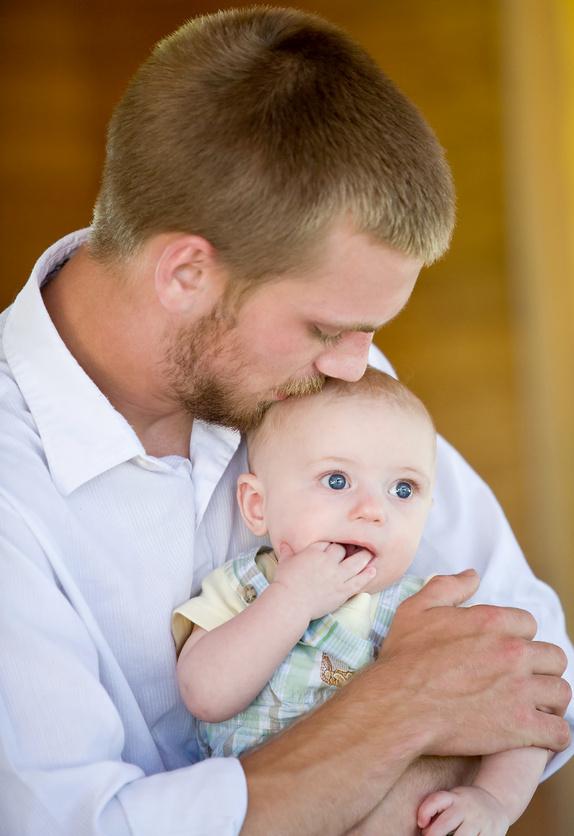 Hitos en el desarrollo entre el nacimiento y los 3 años de edad